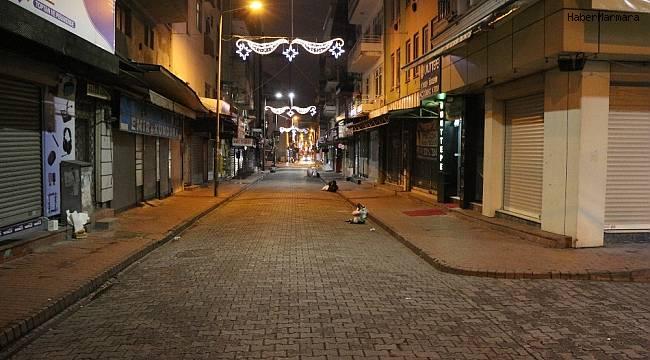 Kocaeli caddeleri sessizliğe büründü