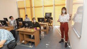 Mersin'de özel gereksinimli bireylere 'Robotik kodlama' eğitimi