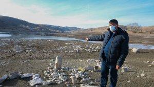 Sular çekildi, mezarlar 50 yıl sonra ortaya çıktı