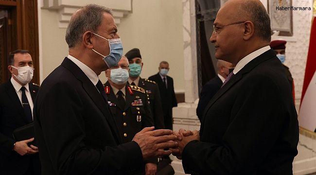 Bakan Akar, Irak Cumhurbaşkanı Salih ile görüştü