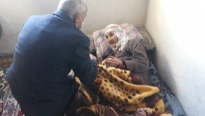 Başkan Ensari'den 110 yaşındaki nineye ziyaret