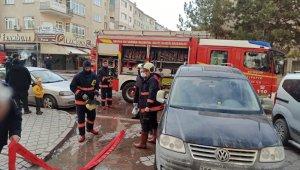 Başkent'te yangında bir daire kullanılamaz hale geldi