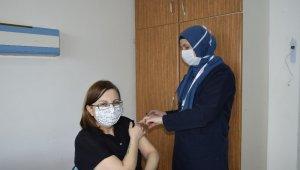 Burdur'da 5 bin 846 kişi CoronaVac aşısı oldu