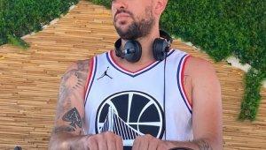 Eski futbolcu, yeni DJ Anıl Canbıçakoğlu, özel partilerin aranan ismi oldu