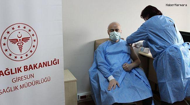 Giresun'da Korona virüs aşısı sağlık çalışanlarına uygulanmaya başlandı