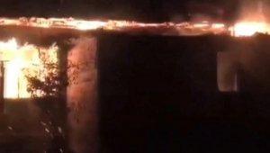 Kahramanmaraş'ta ev alev alev yandı