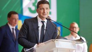 """Ukrayna Devlet Başkanı Zelenskiy: """"Karantina bitti, aşılama şubatta başlıyor"""""""