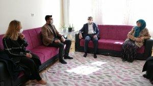 AK Parti Aksaray heyeti şehit ailelerini ziyaret etti