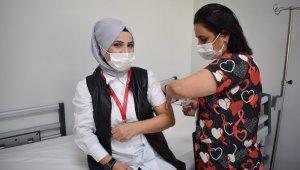 ANKA'da sağlık çalışanlarına ikinci doz aşılama başladı