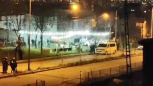 Bursa'da pes dedirten manzara...Koronavirüsü hiçe sayıp sokak düğünü düzenlediler