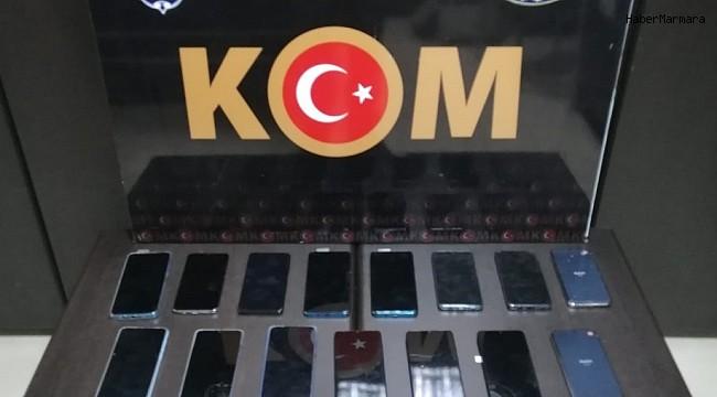 İskenderun'da 13 gümrük kaçağı telefon ele geçirildi