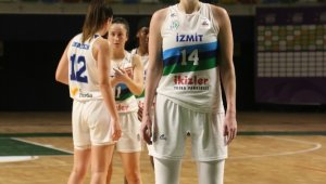 İzmit Belediyespor'un basketbolcusu Egle'nin ikinci testi de pozitif çıktı