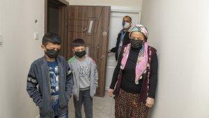 Mersin'de yangın mağduru ailenin evi yenilendi