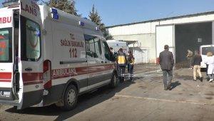 Pamuk deposunda korkutan yangın: 12 işçi dumandan etkilendi