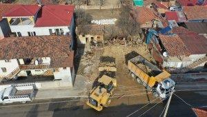 Tokat'ta 262 metruk bina yıkıldı