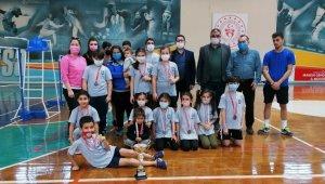 Yunusemreli badmintonculardan 13 madalya