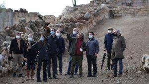 Bodrum'daki sur duvarları profesörleri şaşırttı