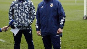 """Fenerbahçe: """"Uzun yıllar boyunca Bundesliga'da görev yapan antrenör Erdinç Sözer, Fenerbahçe teknik ekibine katıldı."""""""