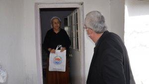 Gömeç Belediye Başkanı Himam yaşlıları unutmadı