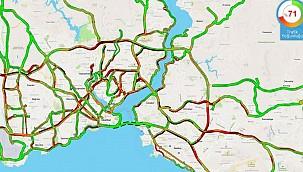 İstanbul'da yeni normalleşmenin ilk günü trafik kilit!