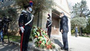 İtalya'da Covid-19 kurbanları anıldı