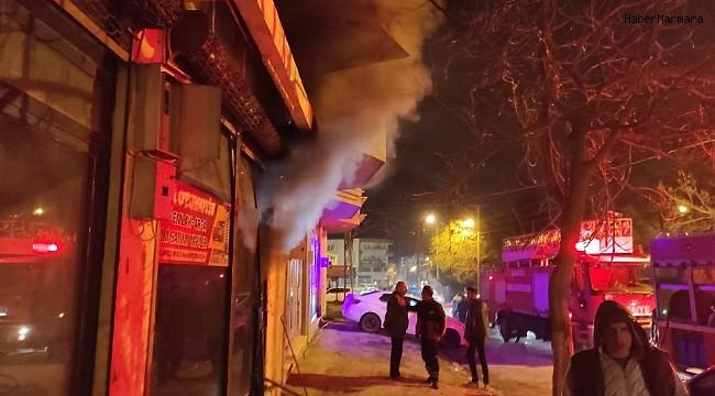 Kahta'daki iş yeri yangını paniğe sebep oldu