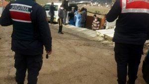 Karasu'da 3 ev daha karantinada