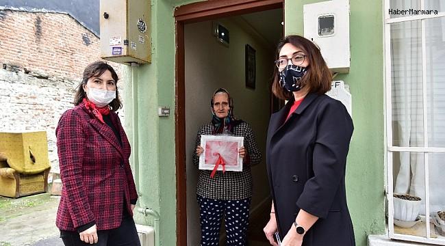 Tuzlalı şehit ailelerine Çanakkale Zaferi dolayısıyla bayrak dağıtımı yapıldı