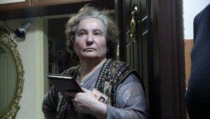 """Yaşlı kadını """"Sinyal evinden geliyor"""" diyerek 90 bin lira dolandırdılar"""