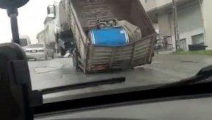 Yokuş yukarı giden kamyon, yükü ağır gelince şaha kalktı