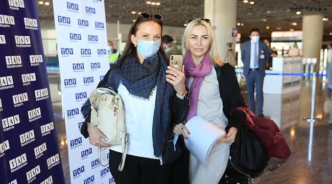 Bodrum'a sezonun ilk dış hat uçuşu Rusya'dan geldi