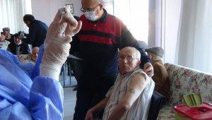 Burdur'da 83 bin 85 kişi aşı oldu