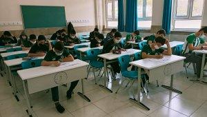 Büyükşehir 8. sınıflara izleme ve değerlendirme sınavı yaptı