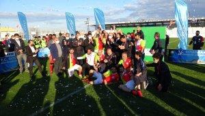 Diyarbakır Büyükşehir Belediyesi Masterler Bahar Ligi kupa töreni düzenlendi