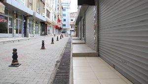 Elazığ'da cadde ve sokaklarda kısıtlama sessizliği