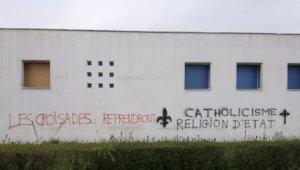 Fransa'nın Rennes kentinde camiye çirkin saldırı