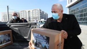 Gebze'de ihtiyaç sahiplerine gıda yardımları ulaştırılıyor