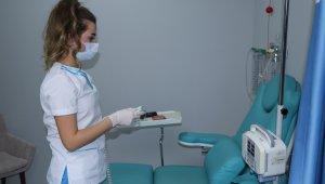 Kemoterapi ve radyoterapi korona aşısına engel değil