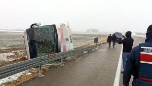 Kırşehir'de yolcu otobüsü devrildi: 14 yaralı