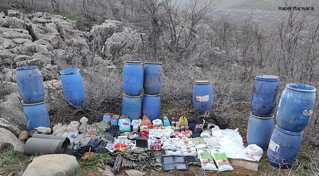 Şemdinli'de teröristlere ait yaşam malzemesi ele geçirildi