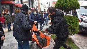 Sinop'ta çıkan yangında dumandan etkilenen kadın hastaneye kaldırıldı