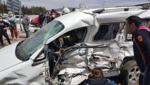 Yaşlı çift kazada hayatını kaybetti
