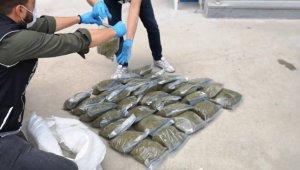 Bursa'da 32 kilogram bonzai ile böyle yakalandılar