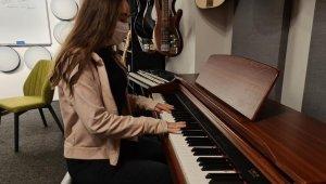 Gençler enstrüman kütüphanesi ile hayallerindeki müzik aletlerine kavuşuyor