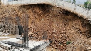 İnşaatın kayan temeli 24 aileyi evinden etti