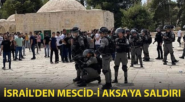 İsrail, Mescid-i Aksa'daki Cemaate Saldırdı