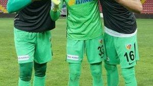 Kayserispor'da 3 kaleci forma giydi