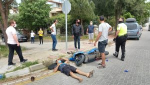 Manisa'da motosiklet ile hafif ticari araç çarpıştı: 1 yaralı