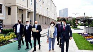 Memleket Partisi Kurucular Heyeti Başkanı Hakkı Akalın kuruluş başvurusunu yaptı.