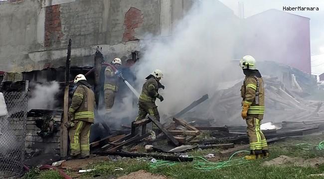 Odun atıp bıraktıkları tandırda yangın çıktı